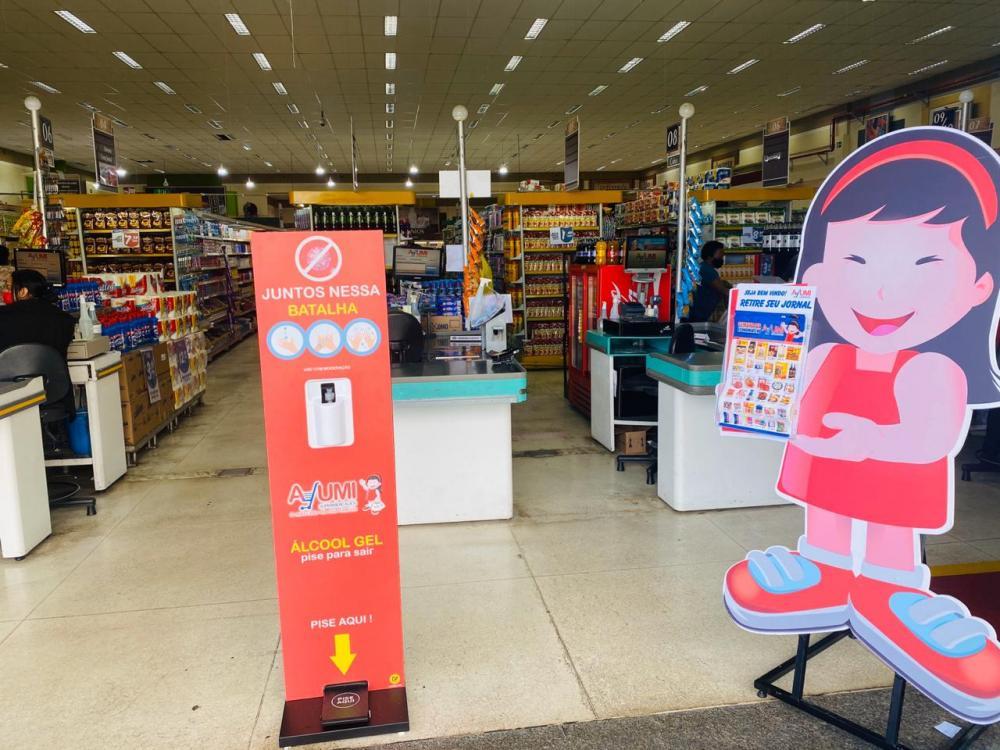 Supermercado Ayumi utiliza totem sem toque para utilização de seus funcionários e clientes