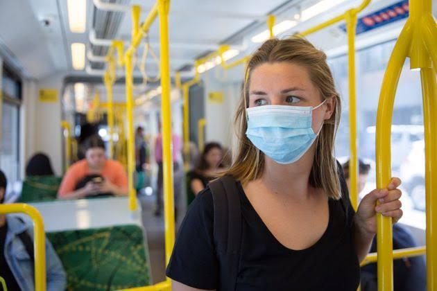 O uso é obrigatório, mas nem todos passageiros usa om máscara em SP