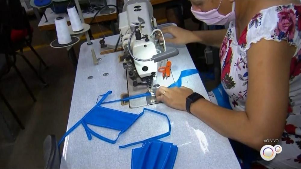 Prefeitura de São Paulo abre novo edital do Costurando pela Vida para adquirir 1 milhão de máscaras de pequenos empreendedores